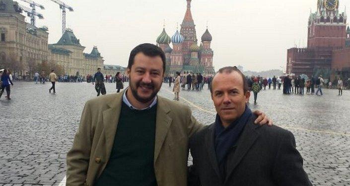 Matteo Salvini e Gianluca Savoini sulla Piazza Rossa