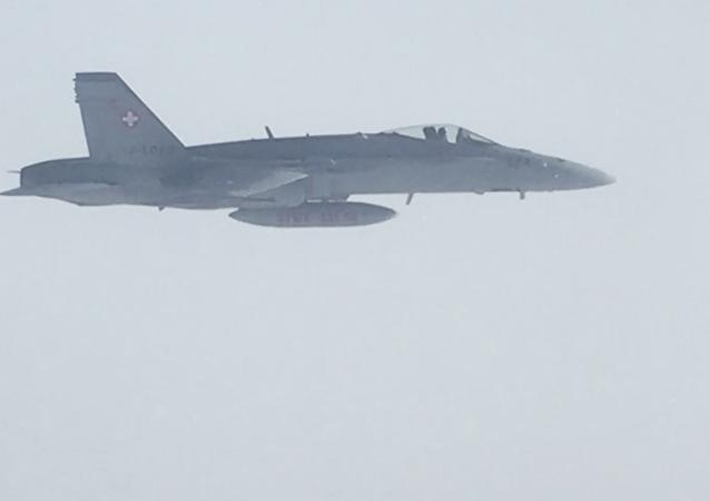 Caccia svizzero fotografato dall'aereo con la delegazione russa