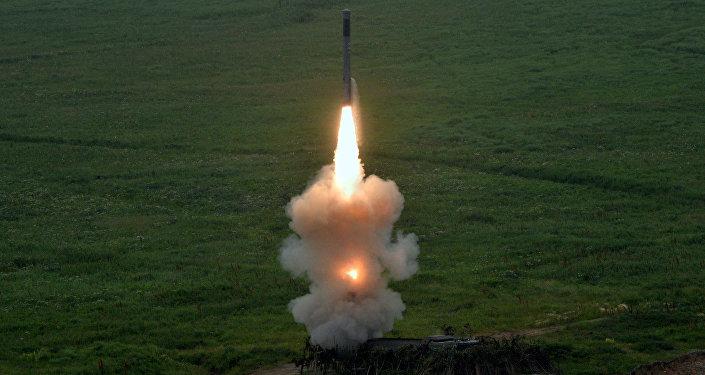 Missile lanciato dal nuovo sistema missilistico costiero Bastion