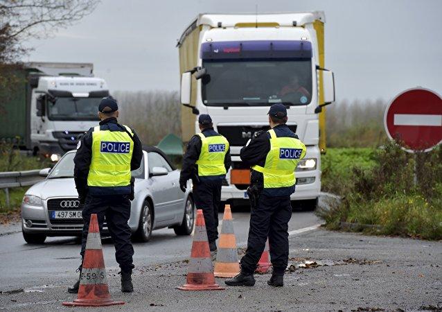 Posto di blocco della polizia francese