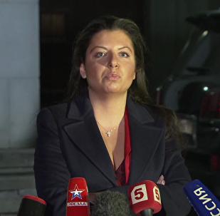 Il redattore capo di Sputnik Margherita Simonyan commenta la risoluzione dell'UE sui media