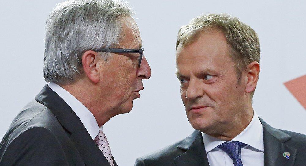 Il presidente della Commissione europea Jean-Claude Juncker e il presidente del Consiglio europeo Donald Tusk