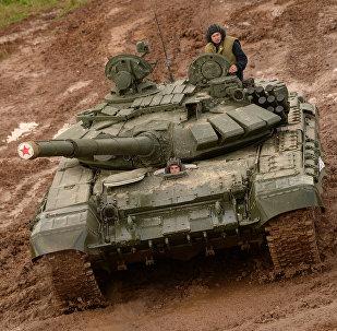 Un T-72 durante un esercitazione