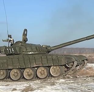 Le esercitazioni delle divisioni corazzate 90