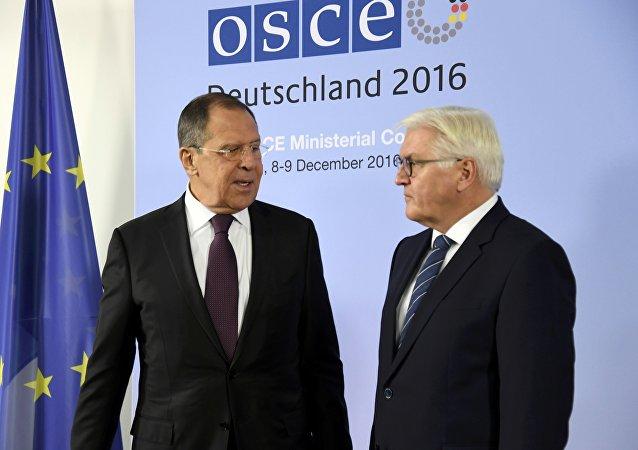 Sergej Lavrov e Frank-Walter Steinmeier