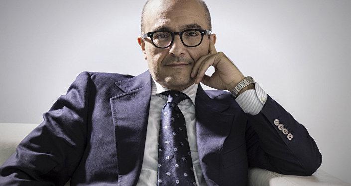 Gennaro Sangiuliano, giornalista e scrittore