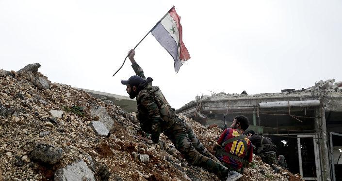 Soldato siriano ad Aleppo est