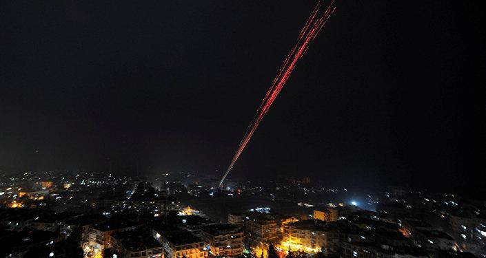 Le forze governative siriane celebrano la vittoria ad Aleppo