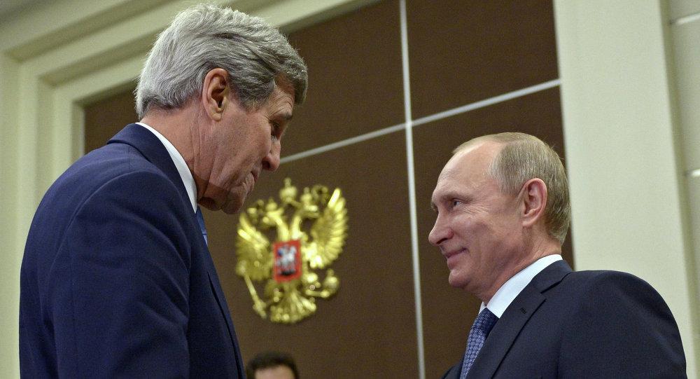 John Kerry e Vladimir Putin a Sochi