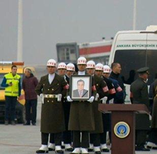 In diretta dall'aeroporto di Ankara dove si svolgerà il rimpatrio della salma dell'ambasciatore russo