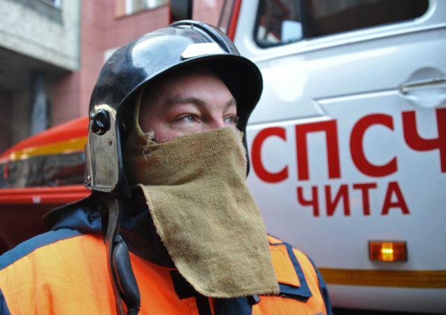 Membri della protezione civile russa