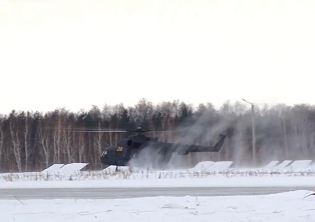 I voli d'addestramento degli elicotteri MI-8