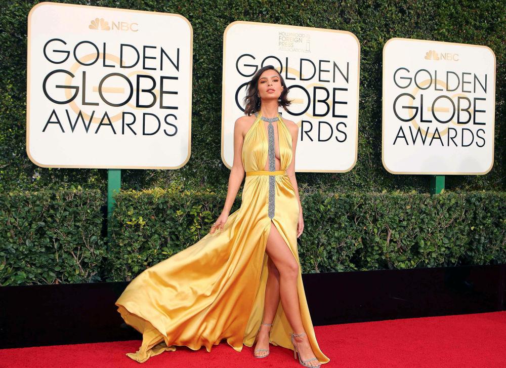 L'attrice americana Emily Ratajkowski al Golden Globe.