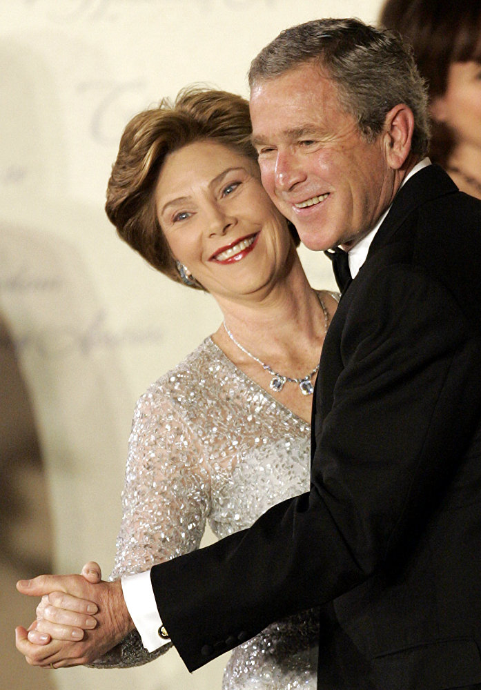 Il presidente Geroge W. Bush e la first lady Laura Bush durante il Freedom Inaugural Ball, il 20 gennaio, 2005.