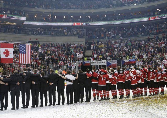 Nazionale canadese di hockey su ghiaccio dopo la vittoria ai campionati di Praga