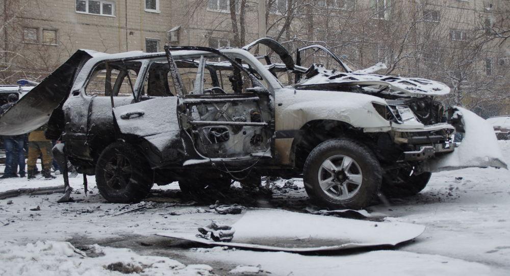 Suv del rappresentante filorusso Oleg Anaschenko esploso a Lugansk