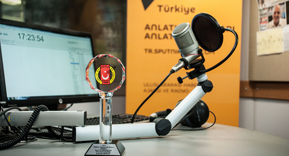 """Radio Sputnik's evening program has received an award from the Turkish Journalists' Association """"For Advances in Journalism."""""""