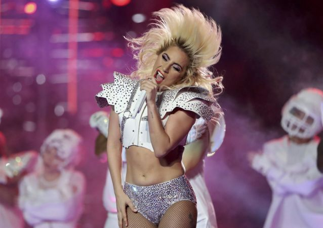 Lady Gaga al Super Bowl LI nel Texas.