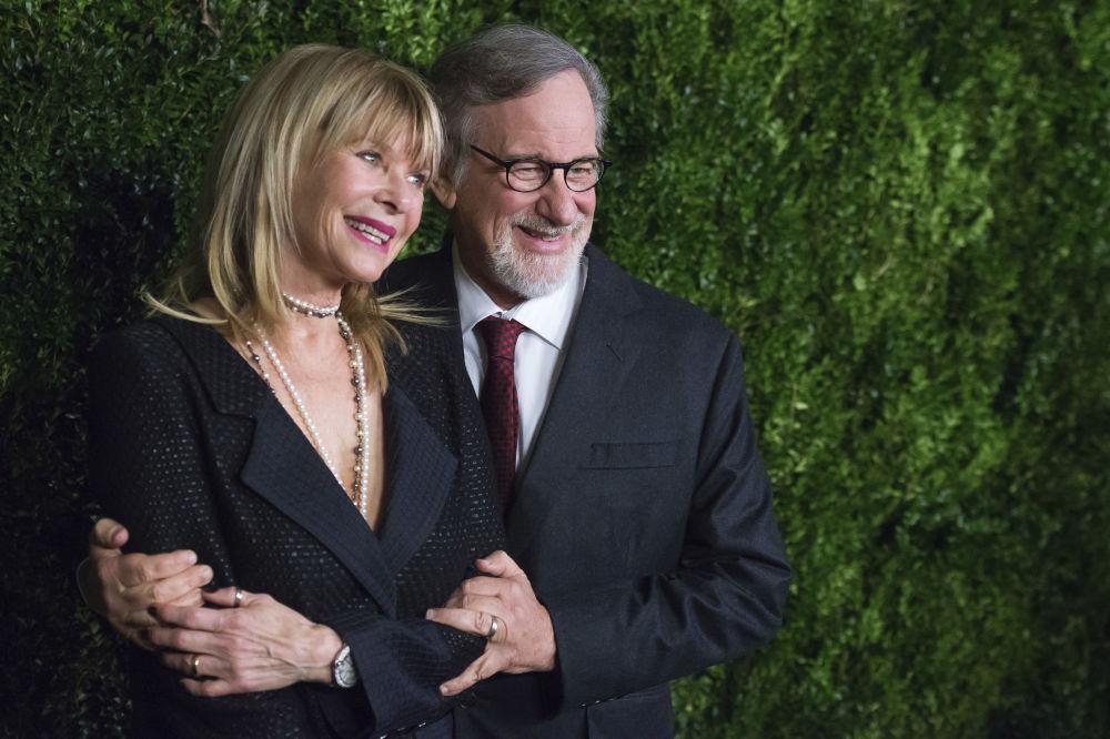 Il regista americano Steven Spielberg e sua moglie attrice Kate Capshaw.