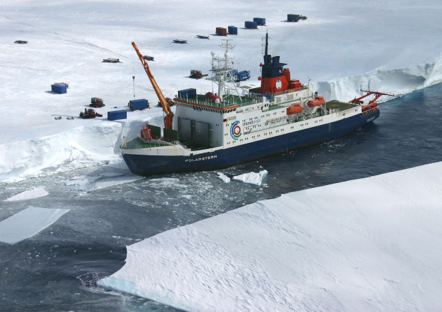 Nave rompighiaccio КМ Polarstern