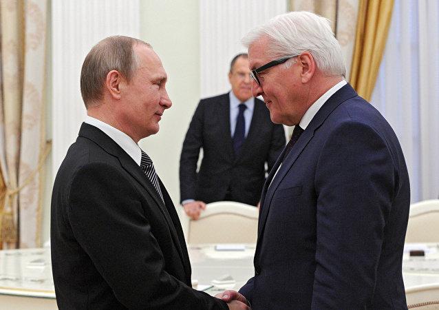 Vladimir Putin e Frank-Walter Steinmeier