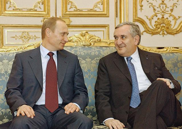 Vladimir Putin e Jean-Pierre Raffarin nel 2003