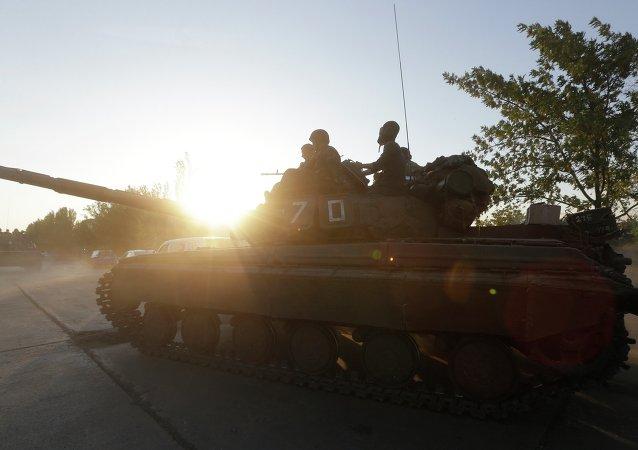 Militari dell'esercito ucraino nei pressi di Mariupol