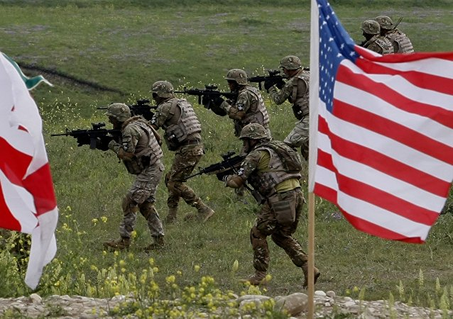 I militari degli USA e Georgia