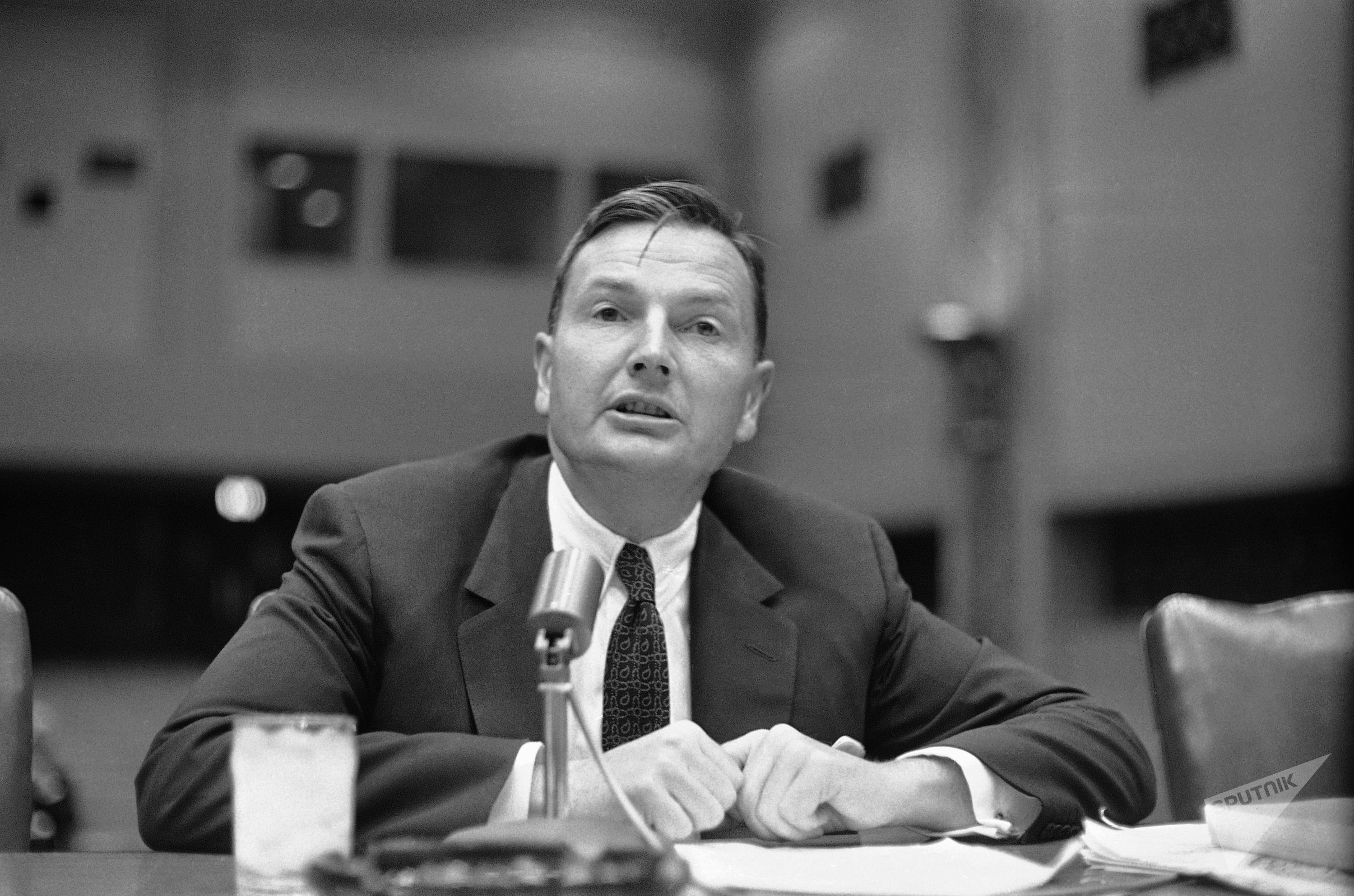 David Rockefeller durante un suo intervento a Washington, 1961.
