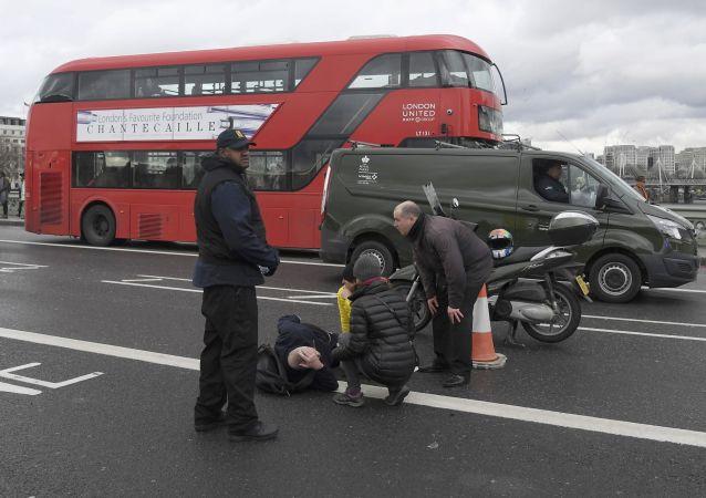 Feriti sul ponte di Westiminster a Londra