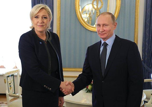 Incontro tra Putin e Le Pen a Mosca