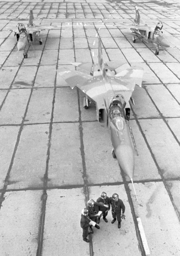 Mezzo secolo dal volo del primo caccia MIG-23
