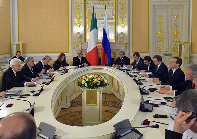 L'incontro tra Mattarella e il premier russo Medvedev