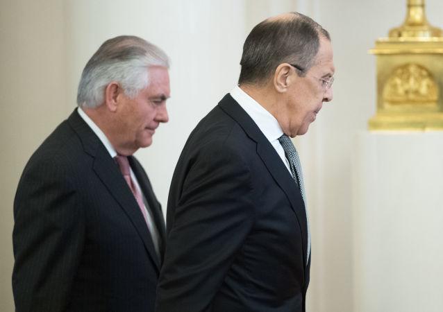 Colloqui tra Rex Tillerson e Sergey Lavrov