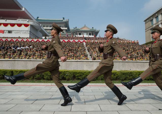 Alla parata militare a Pyongyang, Corea del Nord.