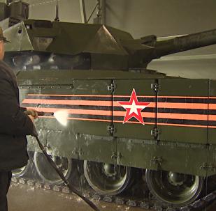 L'autolavaggio dei carri armati prima della Parata della Vittoria