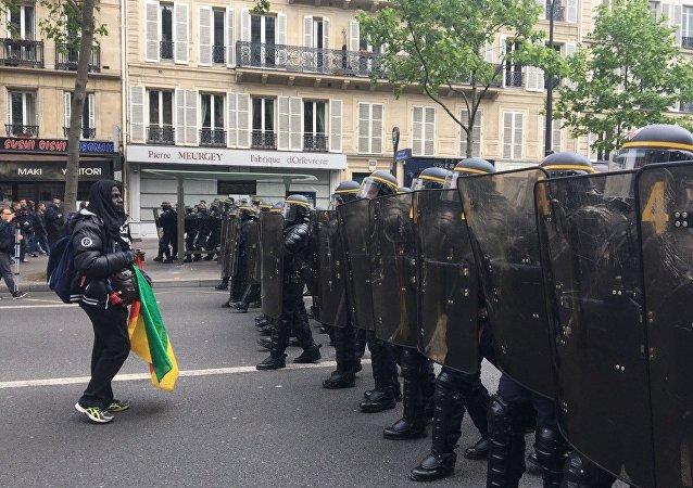 Manifestazione contro i risultati delle elezioni in Francia