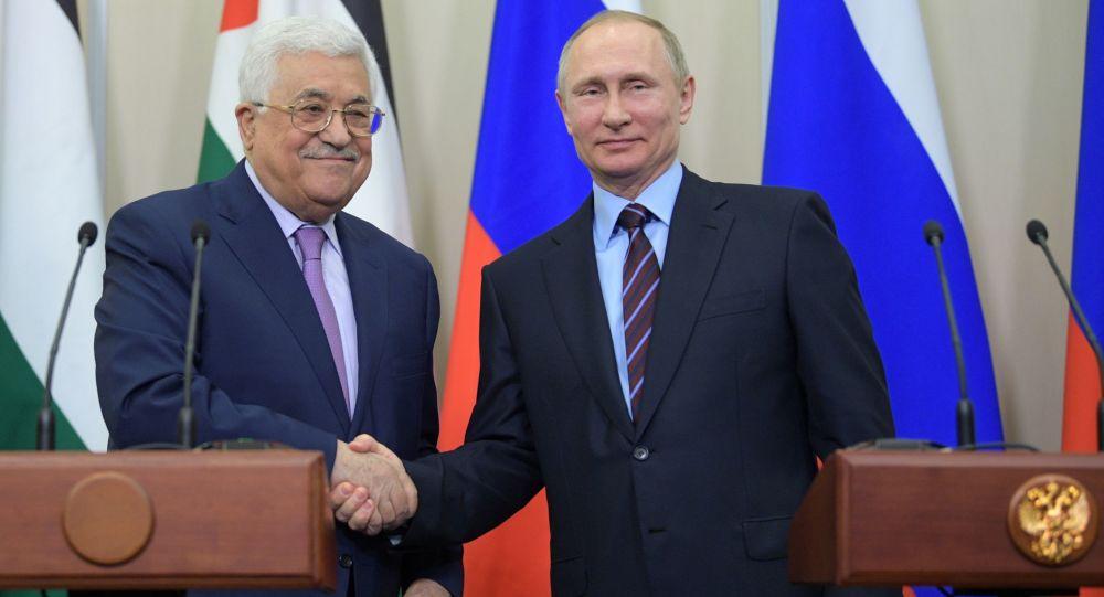 Mahmoud Abbas e Vladimir Putin a Sochi