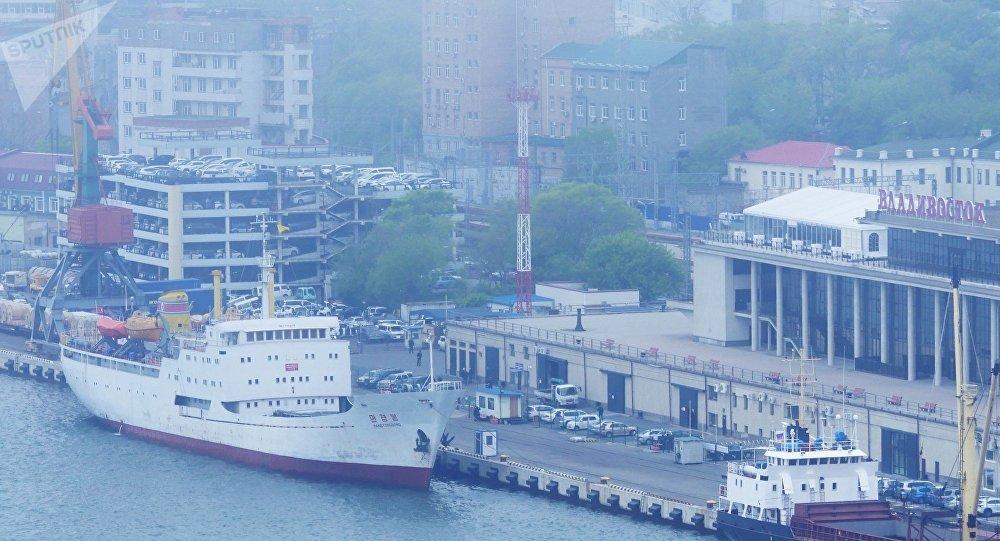 Prima nave da Corea del Nord arriva a Vladivostok