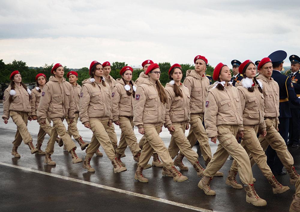 Le esercitazioni dei paracadutisti a Novorossiysk