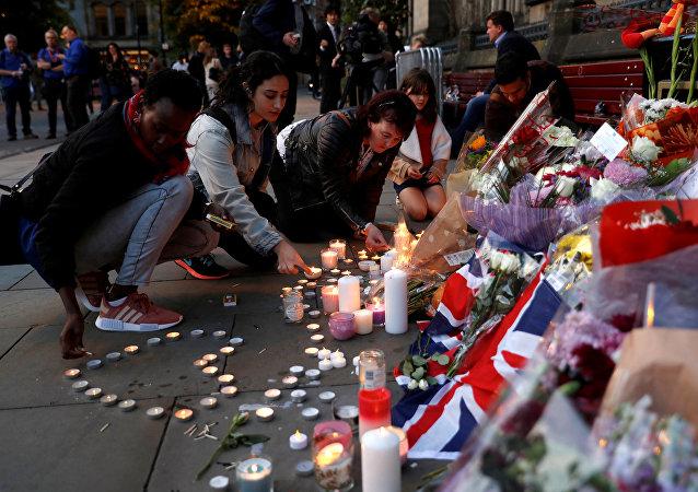 Ricordo delle vittime a Manchester