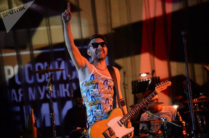 Sergey Shnurov, il frontman della band Leningrad