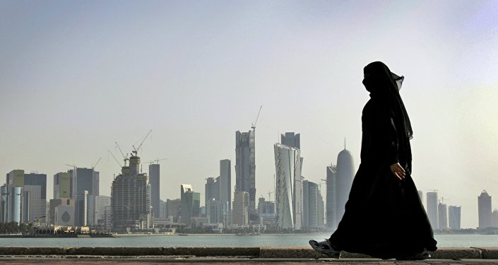 Una donna a Doha, la capitale del Qatar