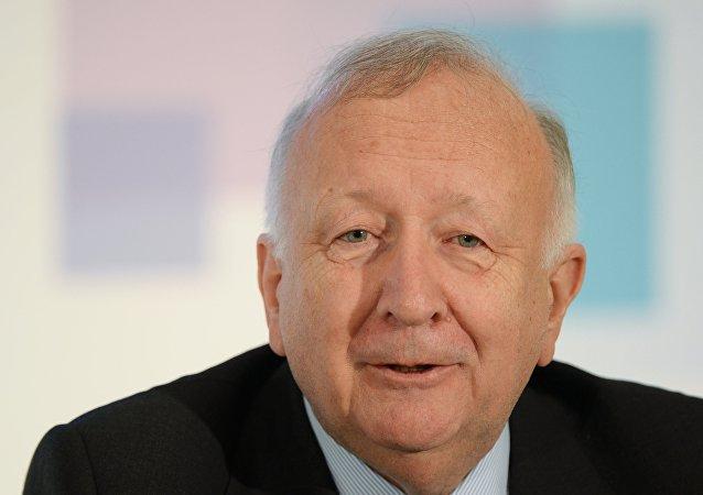 Willy Wimmer, politico tedesco sanzionato da Kiev per sua visita in Crimea