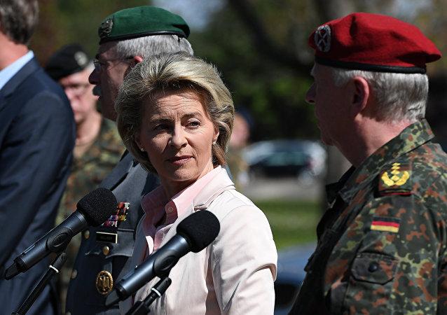 Ministro della Difesa tedesco Ursula von der Leyen (foto d'archivio)