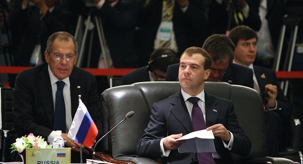 Sergei Lavrov e Dmitry Medvedev.
