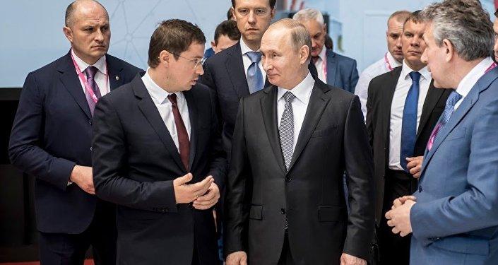Vladimir Putin a INNOPROM 2017