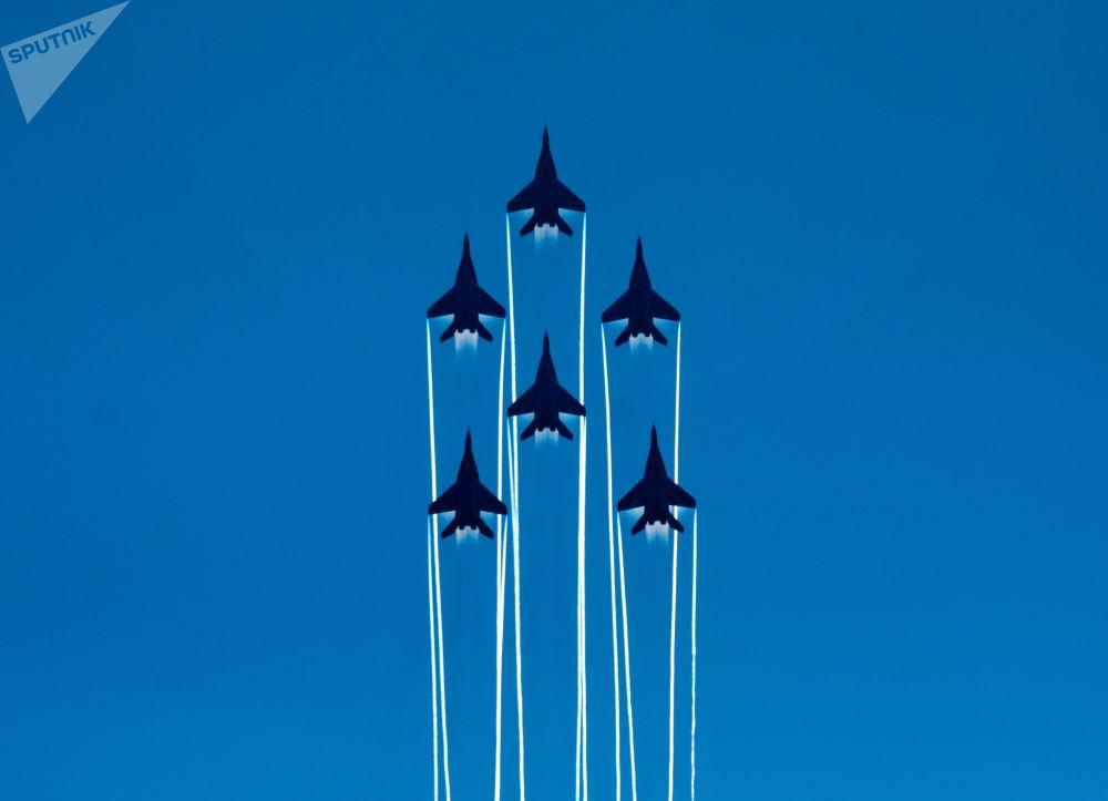 Lo show per i 105 anni dell'Aeronautica russa