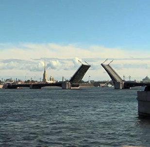 San Pietroburgo: preparativi per la parata della Marina militare russa
