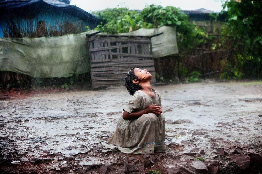 La fotografia dell'italiano Alex Masi «Poonam's Tale of Hope in Bhopal», arrivata 3° al Concorso Internazionale di fotogiornalismo in memoria di Anrej Stenin nella categoria Vita Quotidiana